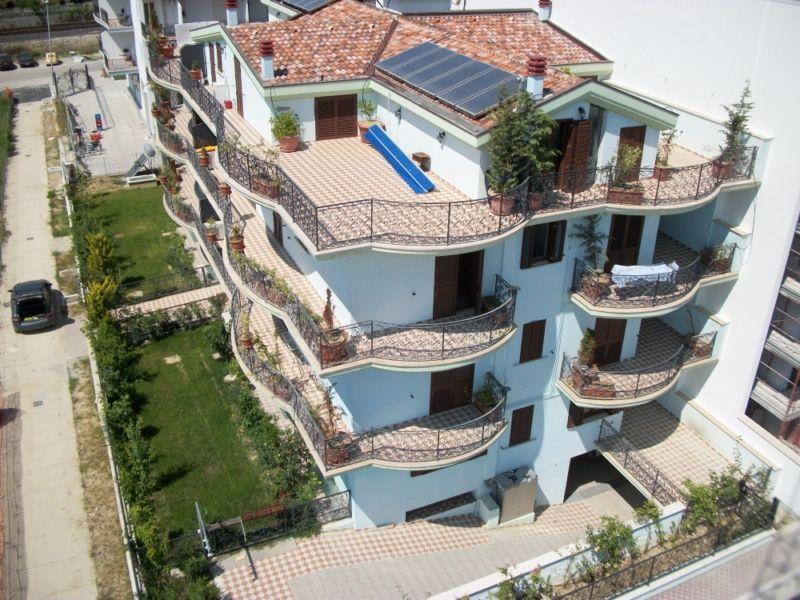 Vue extérieure de la location Location Maison 61446 Roseto degli Abruzzi