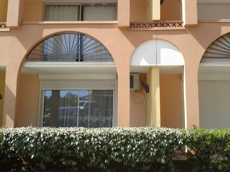 Vue extérieure de la location Location Studio 6233 Cap d'Agde