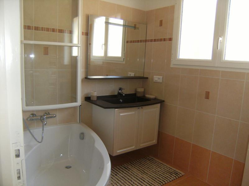 salle de bain Location Villa 62665 Saint Raphael