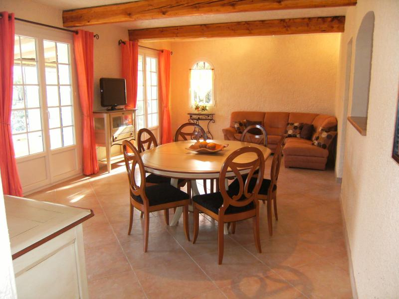 Salle à manger Location Villa 62665 Saint Raphael