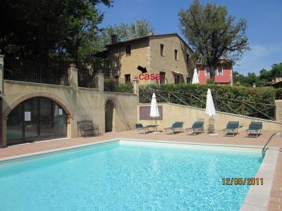 Vue ext�rieure de la location Location Appartement 63249 San Gimignano