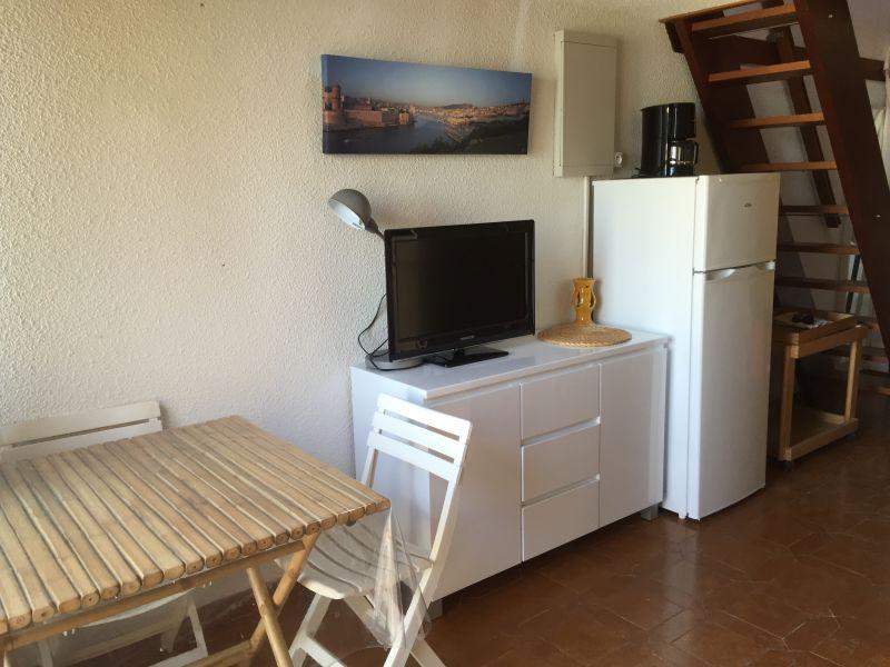 Séjour Location Appartement 63327 Sanary