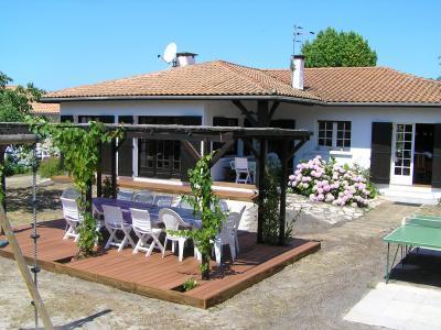 Vue ext�rieure de la location Location Villa 6532 Mimizan