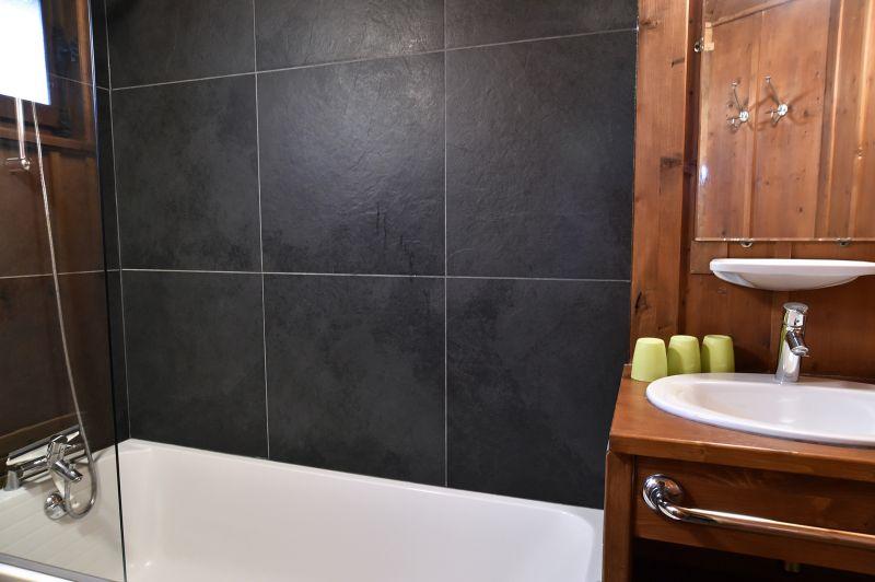 salle de bain 2 Location Chalet 706 Chamonix Mont-Blanc