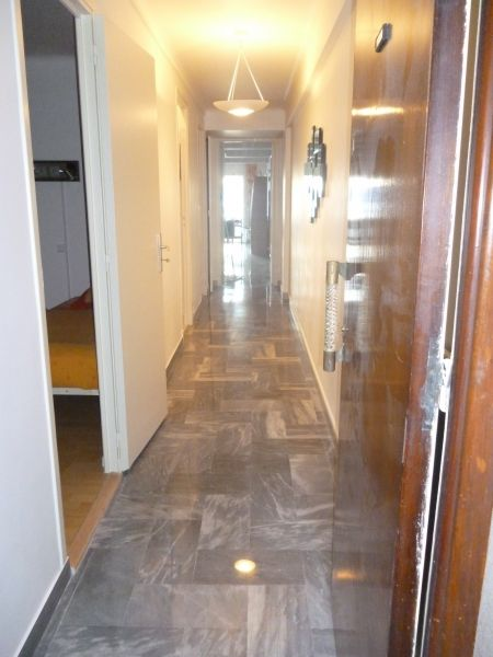 Couloir Location Appartement 8341 Nice