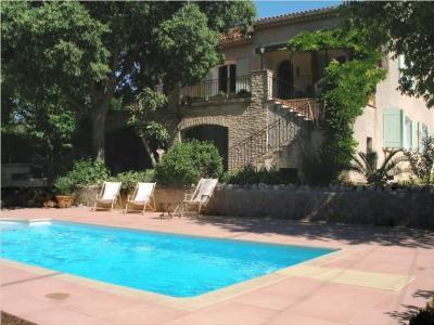 Vue extérieure de la location Location Villa 8416 Cassis