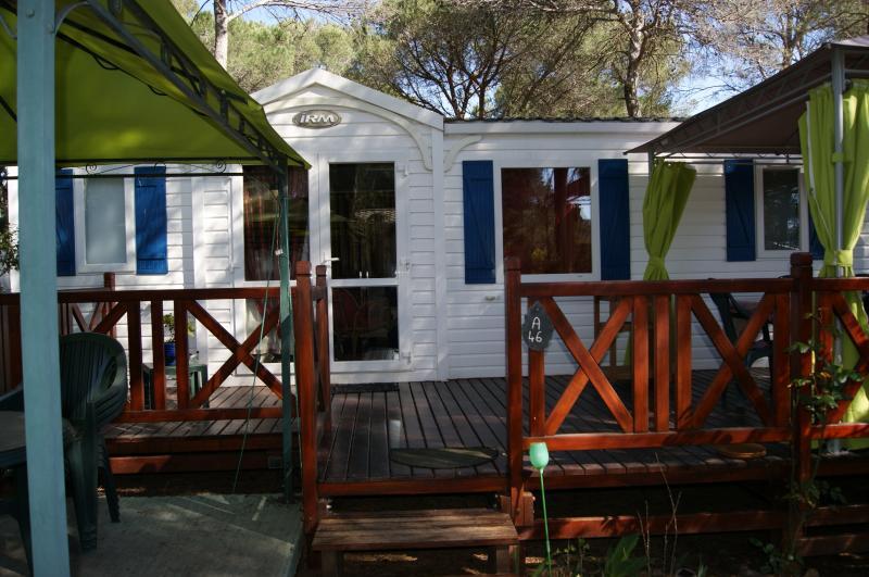 Vue extérieure de la location Location Mobil-home 8476 Fréjus