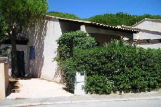 Vue extérieure de la location Location Villa 8541 Sainte Maxime