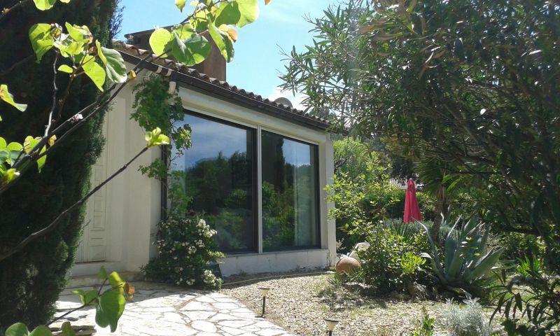 Vue extérieure de la location Location Villa 9206 Montpellier
