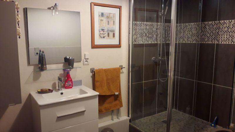 salle de bain 2 Location Villa 9206 Montpellier