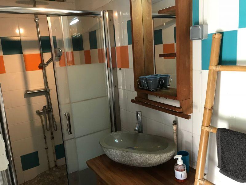 Salle d'eau 2 Location Maison 9879 Saint Gilles