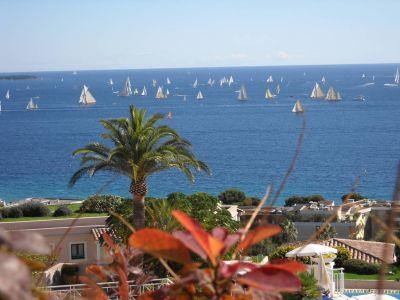 Vue de la terrasse Location Appartement 102946 Cannes