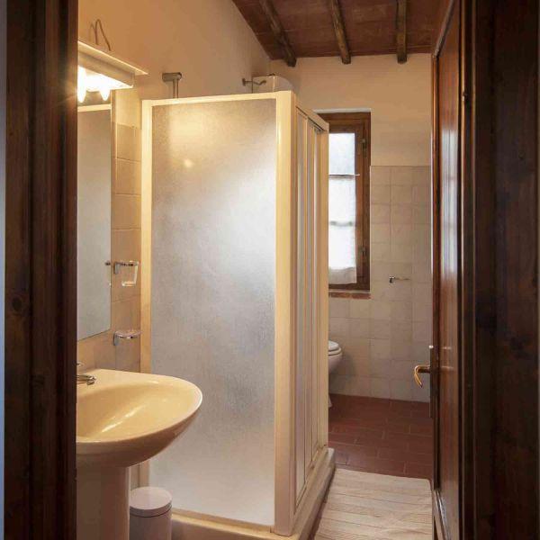 salle de bain Location Maison 106425 Arezzo