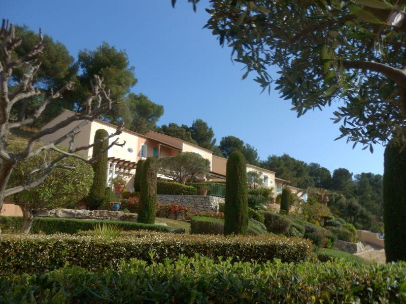 Vue extérieure de la location Location Villa 110052 Agay