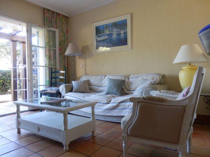 Salon Location Villa 110052 Agay