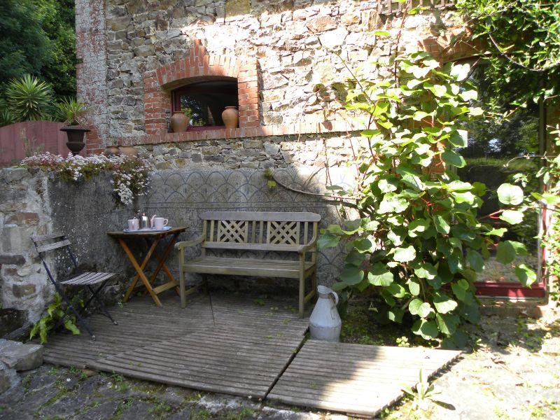Vue extérieure de la location Location Maison 110426 Saint Vaast la Hougue