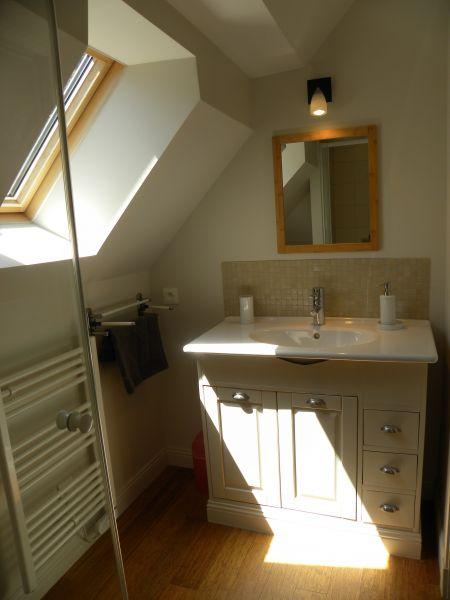 Salle d'eau 2 Location Maison 110426 Saint Vaast la Hougue