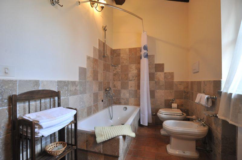salle de bain 1 Location Villa 111227 Chianciano Terme