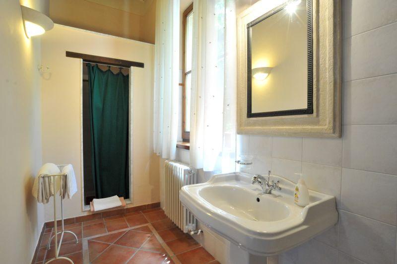 salle de bain 2 Location Villa 111227 Chianciano Terme