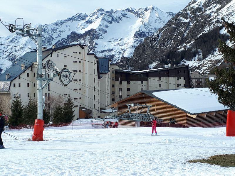Vue extérieure de la location Location Appartement 111741 Les 2 Alpes