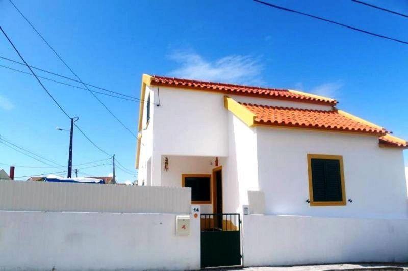 Vue extérieure de la location Location Villa 65732 Lisbonne