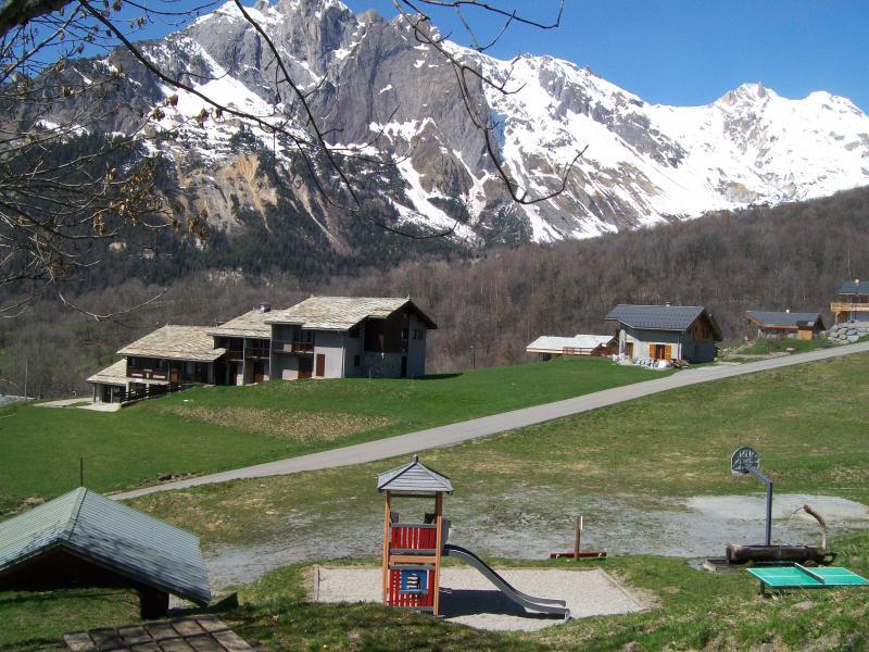 Vue extérieure de la location Location Gite 68664 Saint Jean de Maurienne