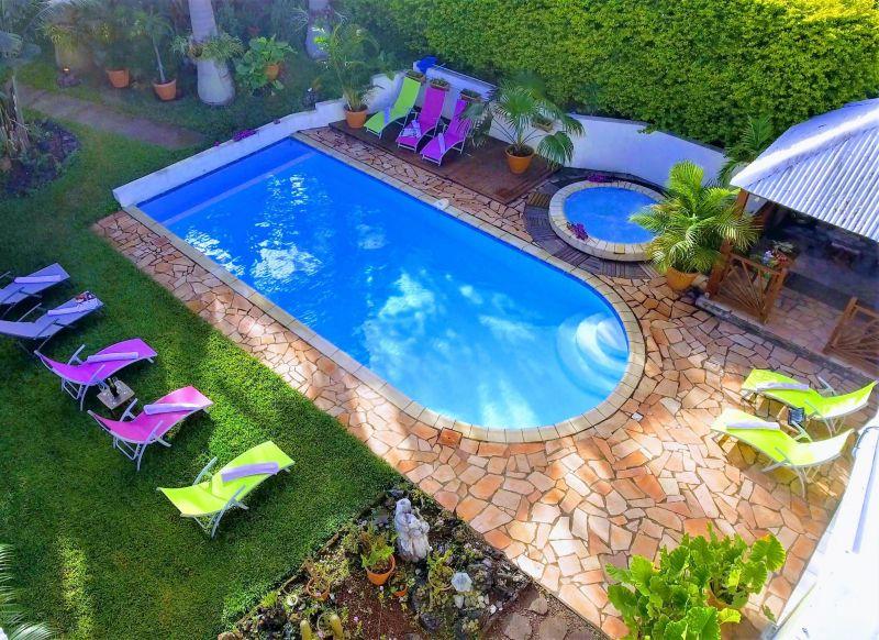 Piscine Location Villa 73361 L'Entre Deux