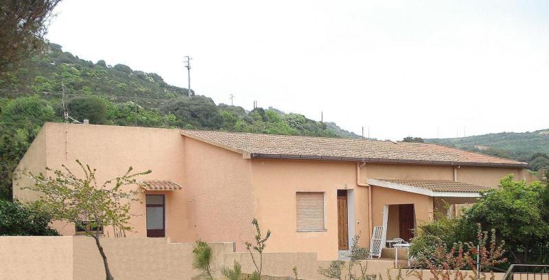 Vue extérieure de la location Location Appartement 76423 Trinità d'Agultu e Vignola