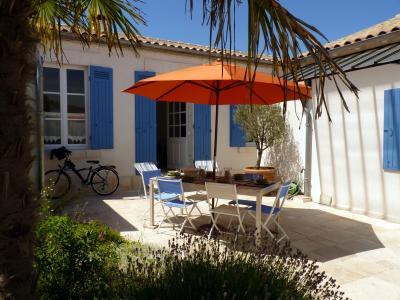 Jardin Location Gite 79933 La Rochelle