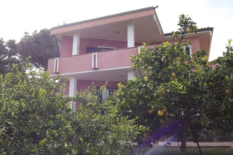 Vue extérieure de la location Location Appartement 86163 Cala Liberotto