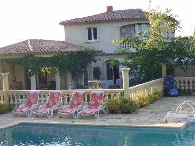 Vue ext�rieure de la location Location Villa 88943 Saint Maximin la Sainte Baume