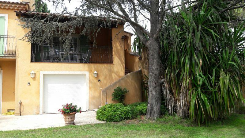 Vue extérieure de la location Location Appartement 93434 Saint Tropez