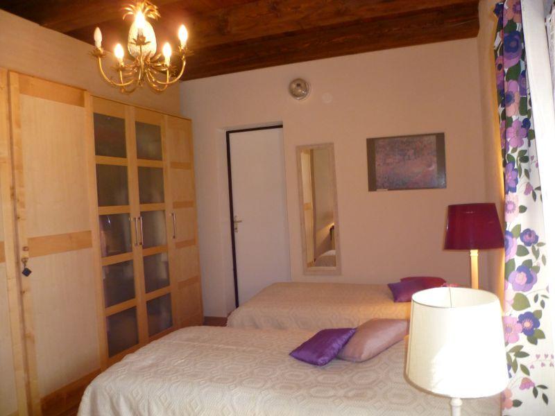 chambre 2 Location Maison 93624 Gréoux Les Bains