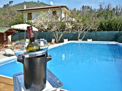 Location Villa 107377 Camaiore