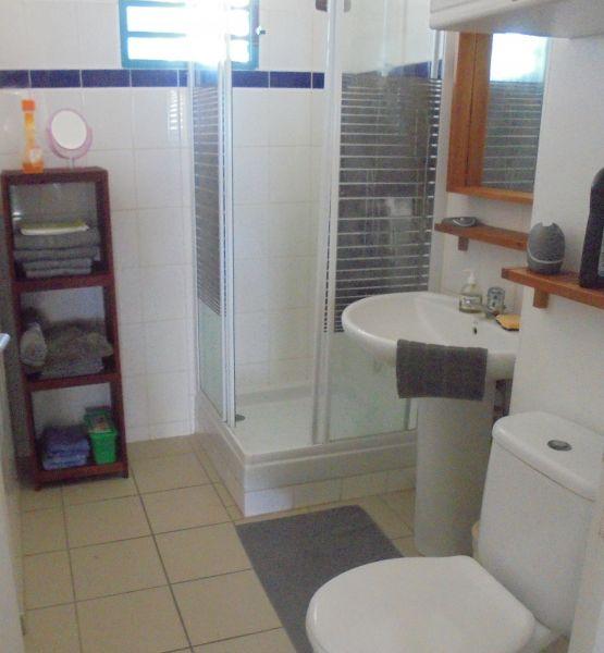 salle de bain 2 Location Appartement 108495 Sainte Anne (Guadeloupe)