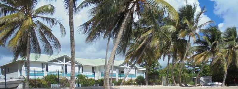 Vue extérieure de la location Location Appartement 108495 Sainte Anne (Guadeloupe)