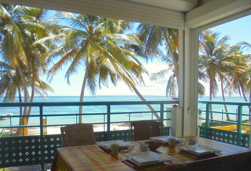 Vue de la terrasse Location Appartement 108495 Sainte Anne (Guadeloupe)