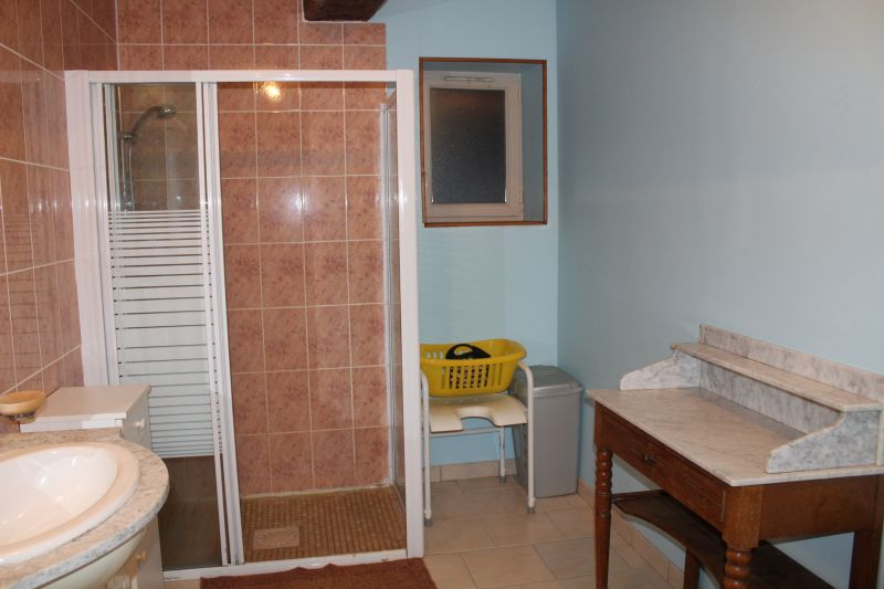 salle de bain Location Gite 112323 Autun