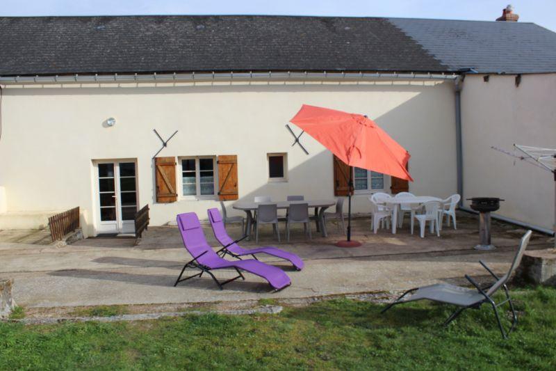 Vue extérieure de la location Location Gite 112323 Autun