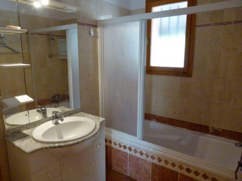 salle de bain Location Maison 114148 Régusse