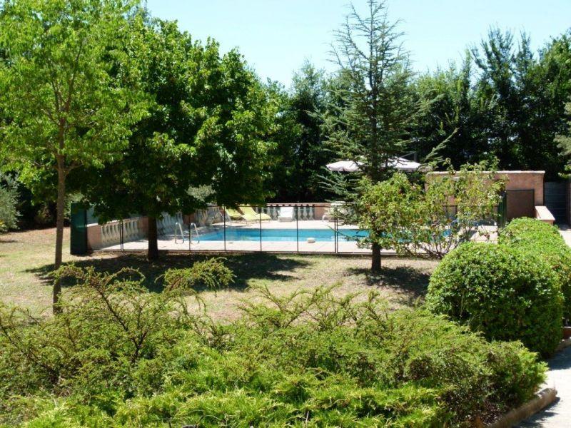 Vue de la terrasse Location Maison 114148 Régusse