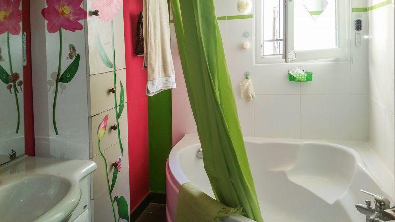 Salle d'eau Location Villa 116109 Balaruc les Bains