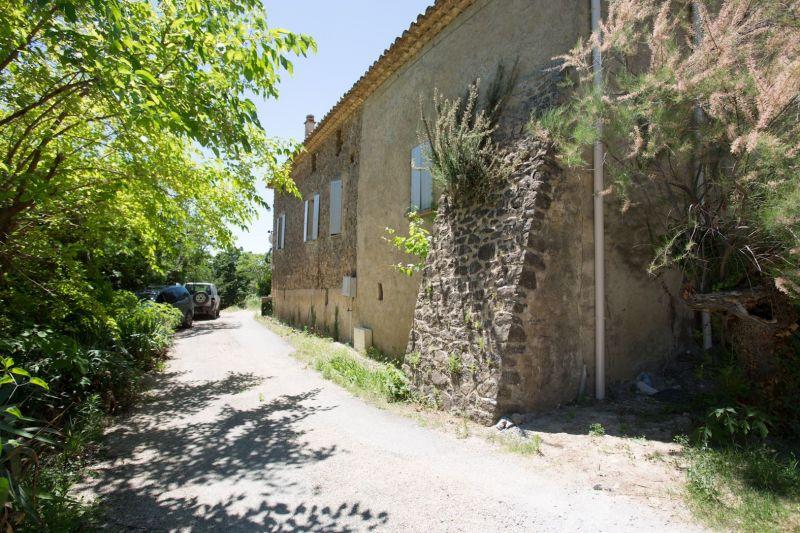 Vue extérieure de la location Location Maison 117019 Nyons