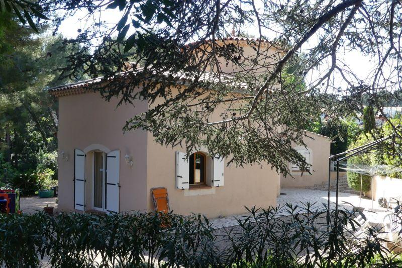 Vue extérieure de la location Location Villa 119237 Bandol