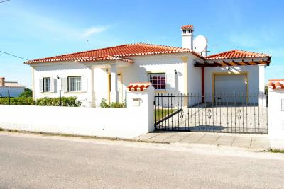 Vue extérieure de la location Location Villa 67750 Aljezur