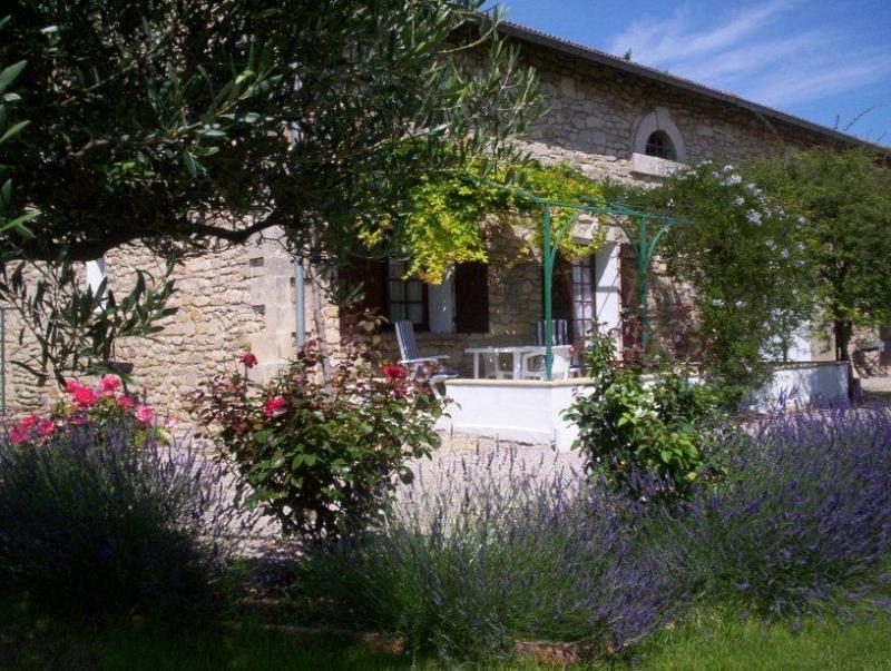 Vue extérieure de la location Location Gite 68513 Montpellier