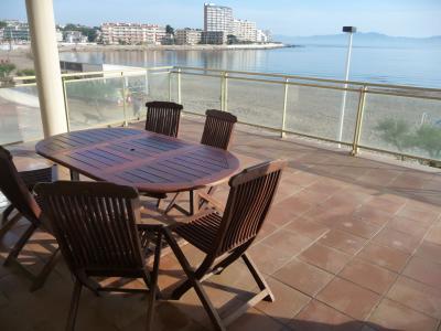 Vue de la terrasse Location Appartement 69521 L'escala