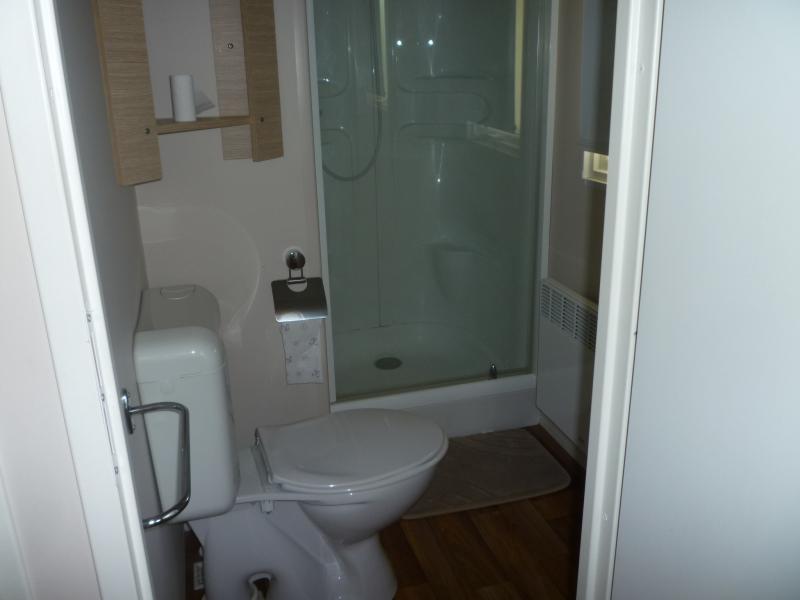salle de bain 2 Location Mobil-home 73618 Vias