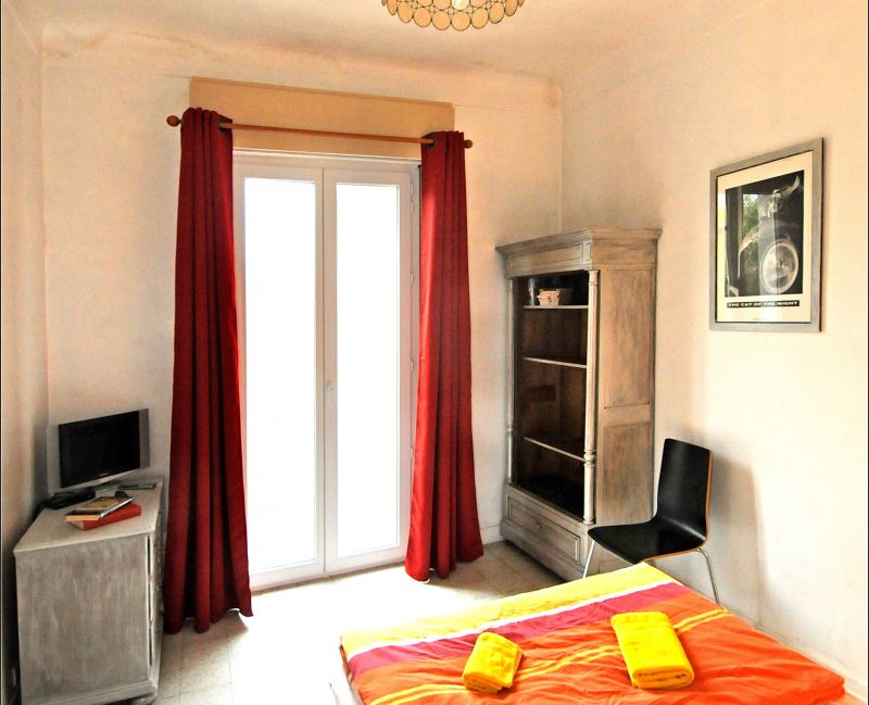 chambre 2 Location Appartement 75359 Nice