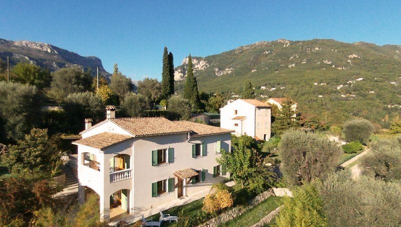 Vue extérieure de la location Location Appartement 81699 Cannes